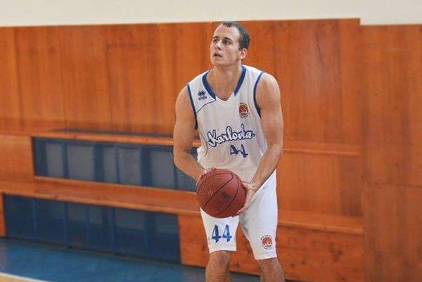 Basketbalista bratislavskej Karlovky.