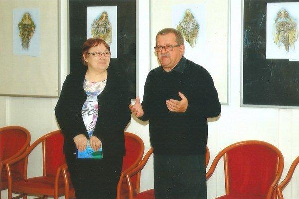 Kurátorka výstavy Marta Šimo-Svrčeková aautor Miroslav Polák.