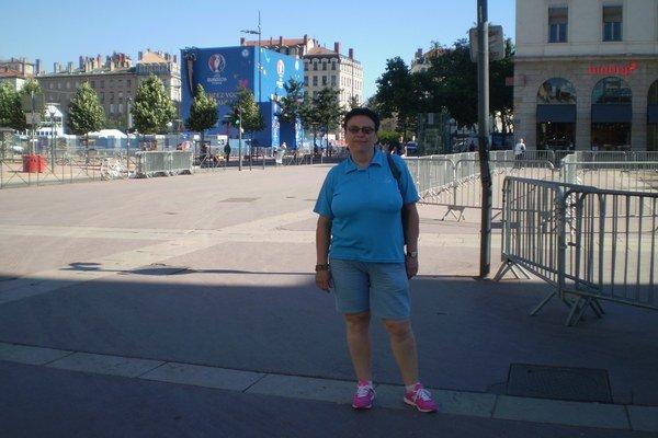 Eva Osvaldová počas návštevy Lyonu a futbalových ME