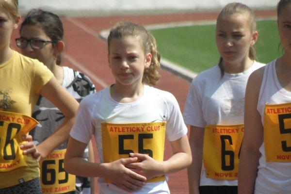 Laura Tomanová z AC Nové Zámky zvíťazila v behu na 1000 metrov.
