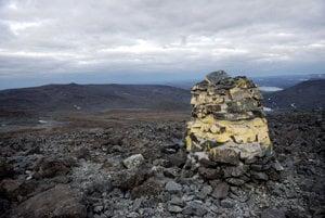Hora Halti sa vypína na hranici Fínska a Nórska. Najyvšší bod leží na nórskom území.