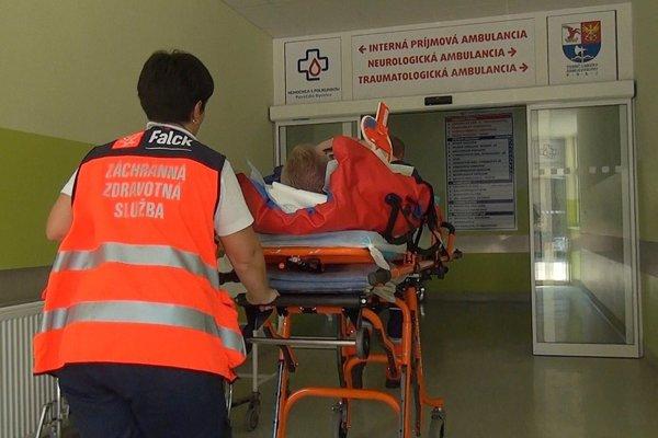 Hubár po páde skončil v nemocnici.