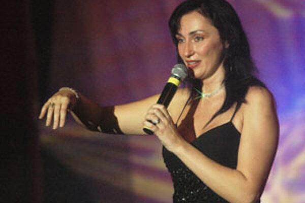 Sisa Sklovská vystúpi v Novákoch 29. júna o 21.30 h.