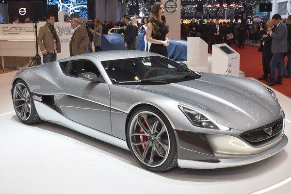 Chorvátsky superšportiak automobil Rimca Concept One. Concept One je prvým superšportovým automobilom s čisto elektrickým pohonom - jeho elektromotory majú celkový výkon 800 kW.