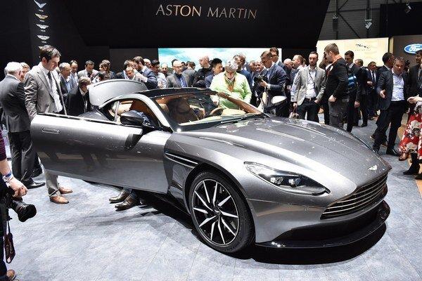 Model DB11 vzbudzoval v Ženeve veľký záujem. Na pohon nového britského superšportového auta slúži nový 5,2-litrový vidlicový dvanásťvalec s maximálnym výkonom  447 kW.