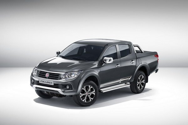 Fiat predstavil Fullback v Dubaji. Od pikapu Mitsubishi sa pikap Fullback, ktorý sa bude do Európy dodávať len s naftovým motorom, odlišuje pozmenenou prednou časťou.