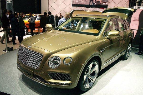 Luxusný športovo-úžitkový Bentley Bentayga. Model Bentayga, ktorý má svetovú premiéru na frankfurtskom autosalóne, sa hrdí niekoľkými superlatívmi.