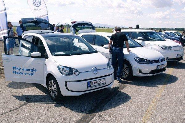 Elektromobily Volkswagen e-UP a e-Golf, Kia Soul. Tieto tri elektromobily sa predávajú aj na našom trhu, najmenší model Volkswagen e-Up sa vyrába v bratislavskom závode Volkswagen.