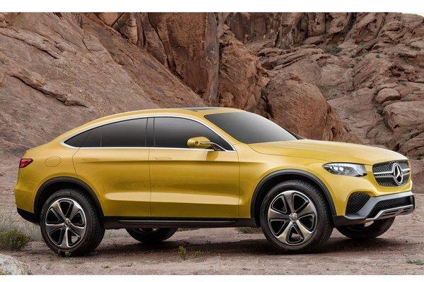 Štúdia Mercedes-Benz GLC Coupé. Táto štúdia je už blízka budúcemu sériovému športovo-úžitkovému kupé na báze modelu GLC, ktorý nahradí terajší model GLK.