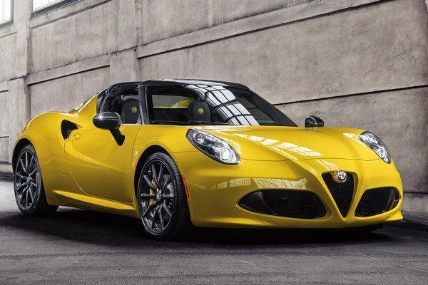 Nová Alfa Romeo 4C Spider. Svetovú premiéru má na práve prebiehajúcom autosalóne v americkom Detroite.