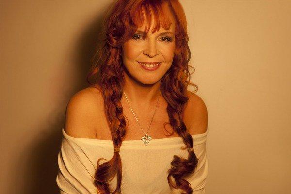 Marcela Holanová.