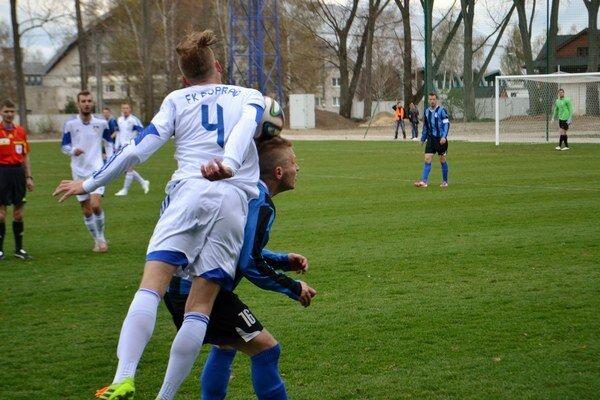Podtatranci oskalpovali lídra. Poprad po výbornom výkone porazil Dolný Kubín 1:0.