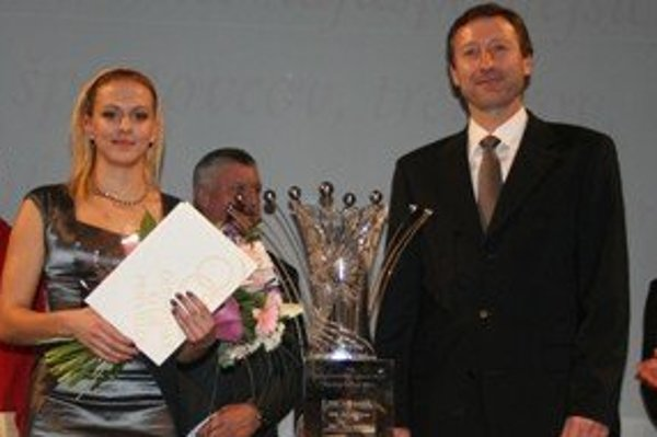 Najúspešnejší športovec (držiteľ ceny Krištáľového páva). Zľava Lucia Mištinová a Miloslav Mečíř.