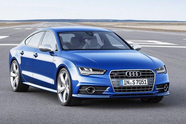 Modernizované Audi A7 Sportback. Na želanie môže byť päťdverové kupé vystrojené maticovými svetlami LED, ktoré optimálne osvetľujú vozovku.