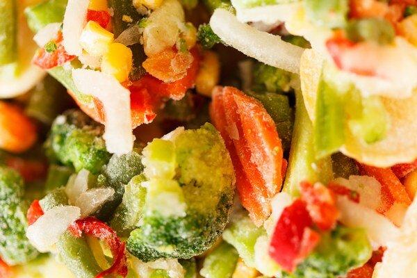 Do polievky. Mrazená zelenina sa využíva hlavne na prvé chody.