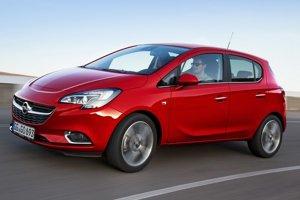 Opel Corsa piatej generácie. Nová Corsa má dynamické línie a bude sa vyrábať s trojdverovou i päťdverovou karosériou.