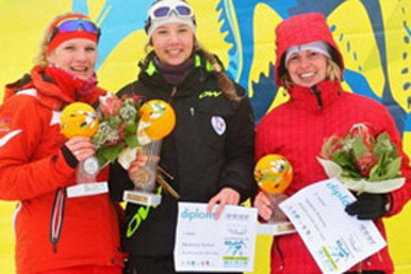 Barbora Klementová (KL Nováky) na stupni pre víťazov.