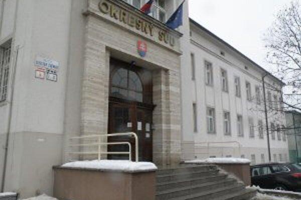Okresný súd v Prievidzi sa bude v najbližšom období zaoberať tromi tragickými udalosťami.