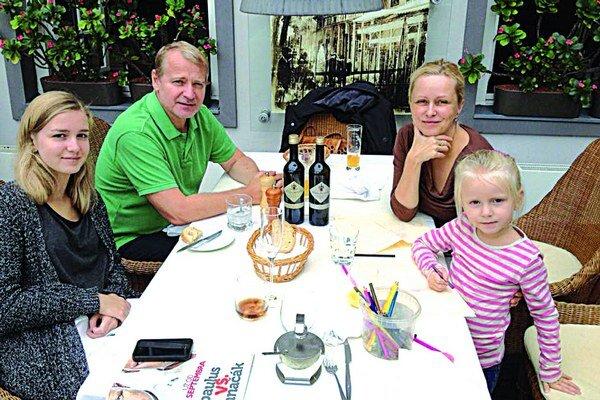 Michaela Čobejová s rodinou.