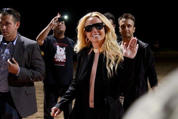 Britney Spears je zaľúbená.