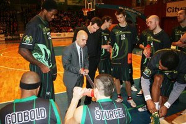 Prievidzskí basketbalisti vo Svite neudržali skvelý nástup do zápasu.