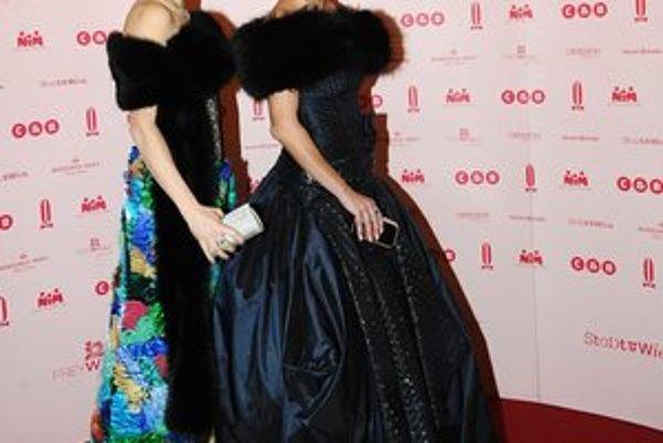 Hviezdy večera. Jitka Klett obliekla Vendulu do super luxusnej róby.