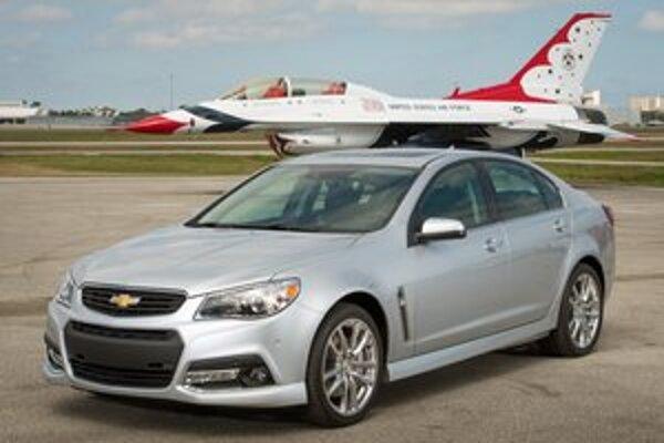 Nový sedan Chevrolet SS. Výkonný sedan s pohonom zadných kolies chýbal v sortimente firmy Chevrolet 17 rokov.