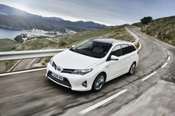 Toyota Auris Touring Sports. Kombi verzia modelu Auris má svetovú premiéru na práve prebiehajúcom autosalóne v Ženeve.