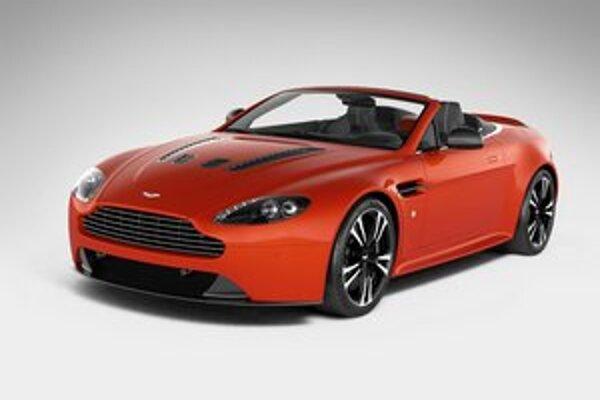 Roadster Aston Martin V12 Vantage. Podľa neoficiálnych správ bude vyrobených len 101 týchto krásnych športových vozidiel.