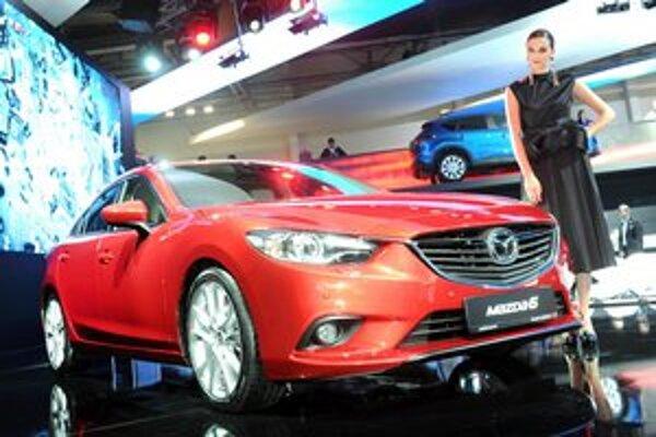 Nová Mazda6. Nová vlajková loď firmy Mazda má premiéru na moskovskom autosalóne.