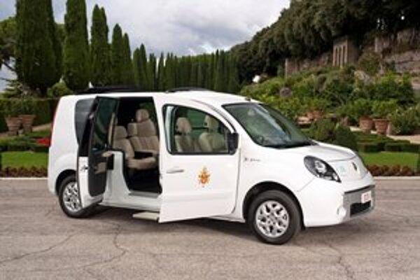 Papamobil Renault Kangoo Maxi Z.E. Prvý pápežský elektromobil je poháňaný elektromotorom výkonu 44 kW.