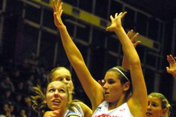 Romana Oravcová. K prvému víťazstvu Cassovie prispela 16 bodmi.
