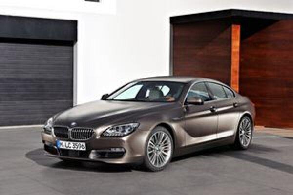 BMW Gran Coupé radu 6. Z trojice motorov je najvýkonnejší vidlicový osemvalec, ktorý vyvíja 330 kW.