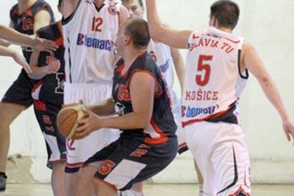 Dôležitý víkend. Basketbalistov Slávie TU Košice čakajú doma nároční súperi.