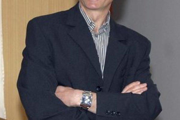 Jozef Pollák. Šampionát víta s úsmevom.