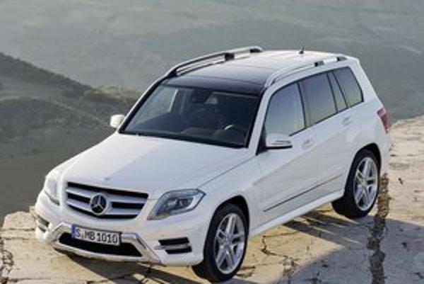 Športovo-úžitkový Mercedes-Benz GLK. Modelový rad GLK je jedným z piatich radov kategórie SUV, vyrábaných štutgartskou automobilkou.