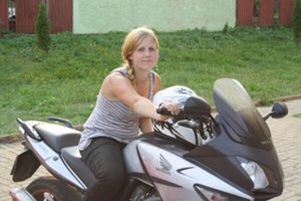 Motorka či auto, hlavne, že to má kolesá a vonia benzínom.