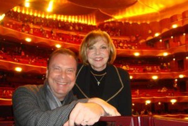 V Metropolitnej opere. Štefan Margita tam nespieval prvýkrát. Jeho predstavenia si jeho manželka Hana Zagorová nenechá ujsť.