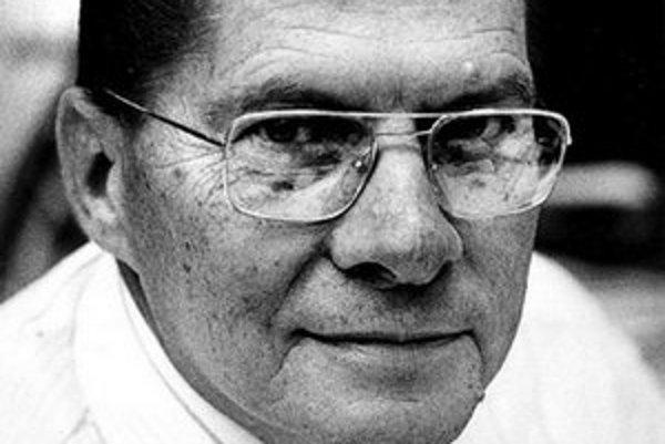 Eugene Theodore Polley. Preslávil sa vývojom prvého diaľkového bezdrôtového ovládača.