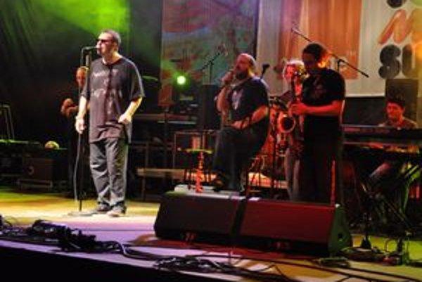 Strihli si duet. Ivan spolu s Richardom na jednom pódiu na Domaši predviedli, ako im to spolu dobre ide.