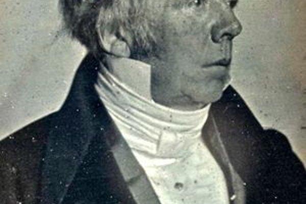 Hans Christian Oersted zistil súvislosť medzi elektrinou a magnetizmom.