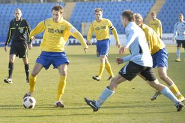 Je späť. Kamil Kuzma (vľavo) sa vrátil do Čermeľa, nastúpi dnes proti Nitre?