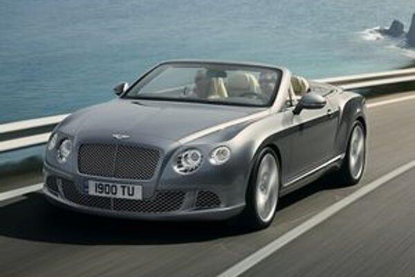 Kabriolet Bentley Continental GTC. Kabriolet mal svetovú premiéru na včera otvorenom autosalóne vo Frankfurte.
