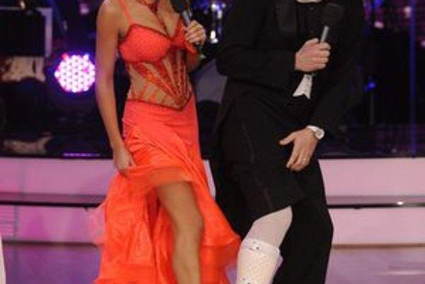 Favorit definitívne skončil. Peter Marcin musí nosiť ortézu a tanec je pasé.