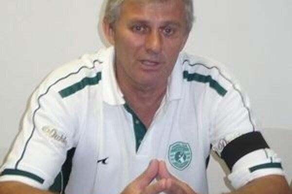 Djordje Rašič. Tréner prešovských hádzanárov chválil, zabralo mužstvo i diváci.