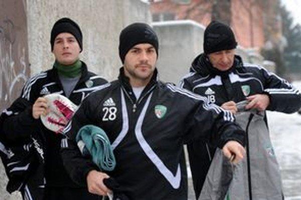 Prešovčania odštartovali zimnú prípravu. Zľava Ľuboš Belejík, Tomáš Josl a asistent trénera Jaroslav Belejčák.
