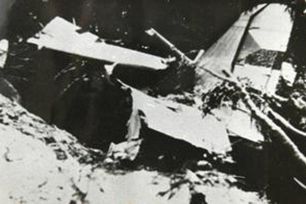 Trosky lietadla. Prečo spadlo, je dodnes záhadou.