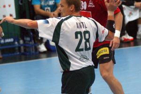 Radoslav Antl. So siedmimi gólmi bol najlepším strelcom zápasu.