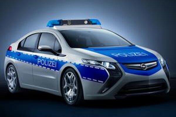 Opel Ampera pre políciu. Vozidlo je odvodené od sériového modelu, ktorý bude mať svetovú premiéru v Ženeve.