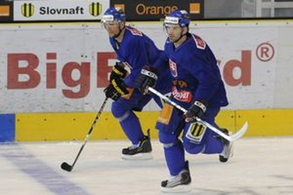 Návrat. Na zraze národiaku sa objavil i Rastislav Pavlikovský (vpravo).